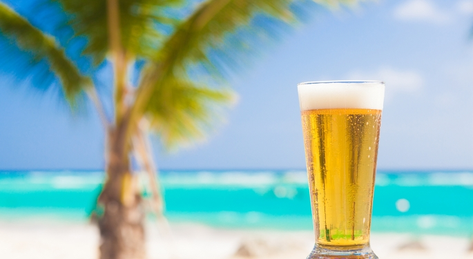 HAPPY HOUR ON THE BEACH ‐ BUY ONE GET ONE FREE